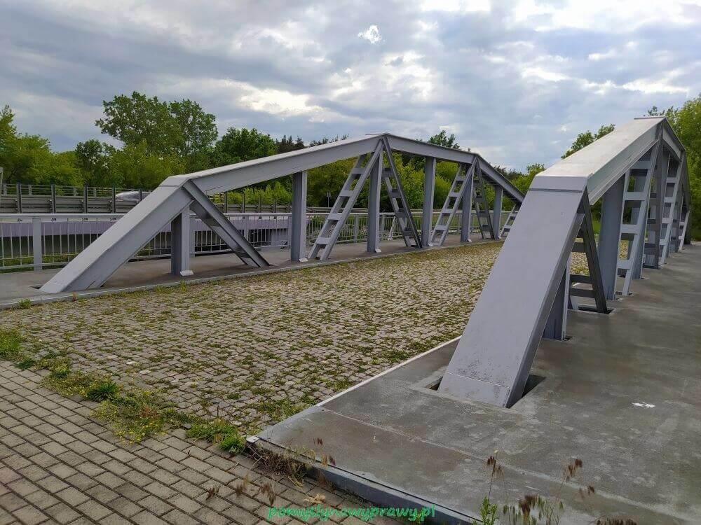 Most na rzece Słudwia