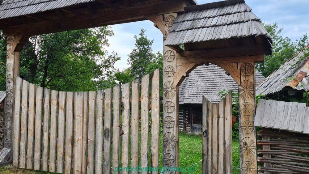 drewaniane bramy Maramuresz